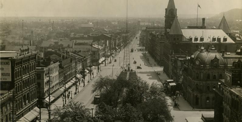 King Street East, looking east. [ca. 1913]